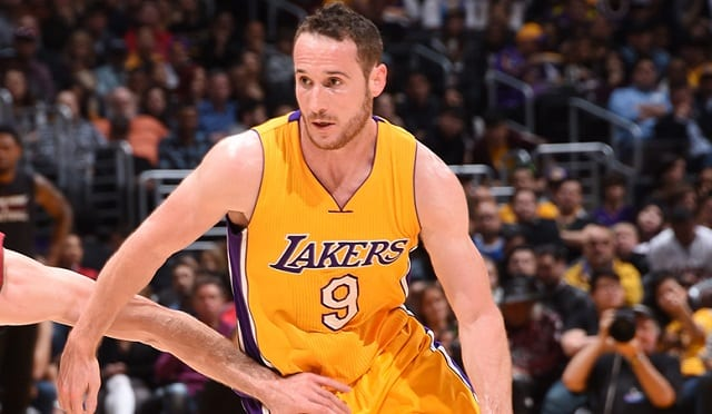 lakers point guard marcelo huertas