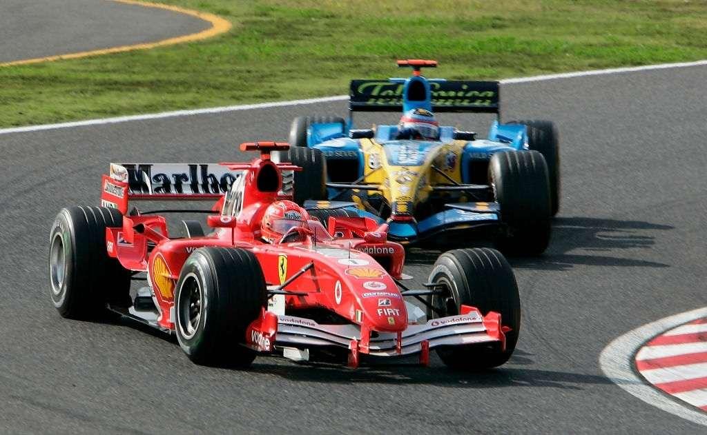 Lewis Hamilton racing in 2019 Monaco Grand Prix