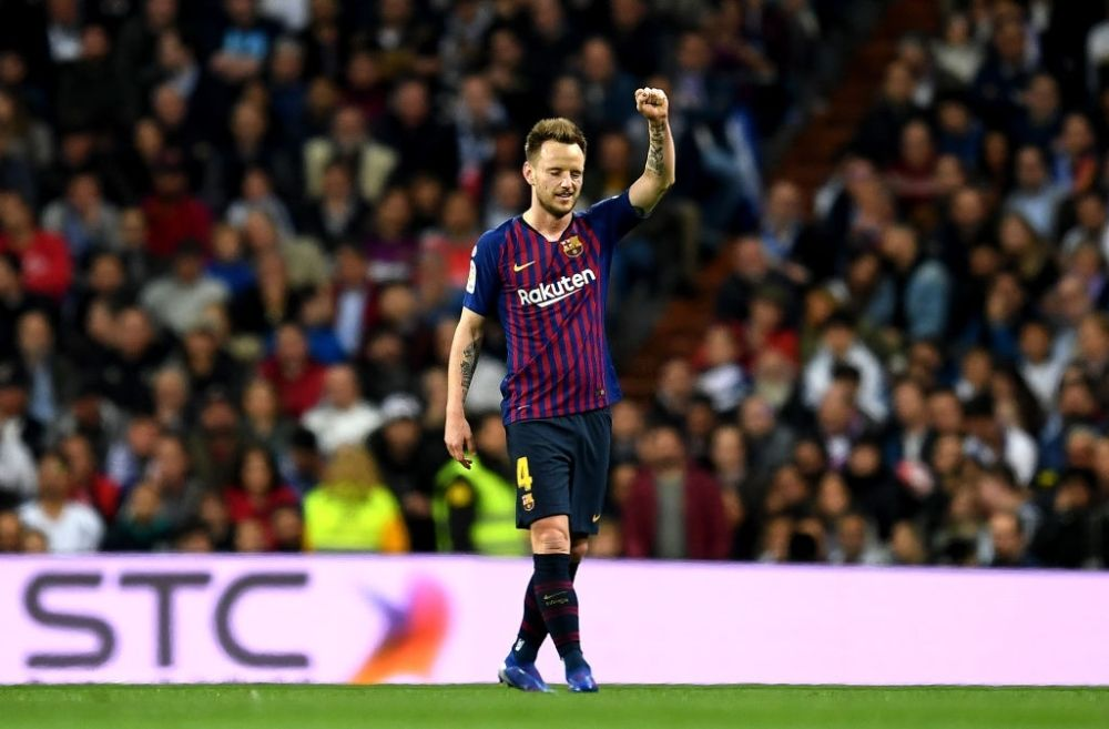 Ivan Rakitic joins Sevilla