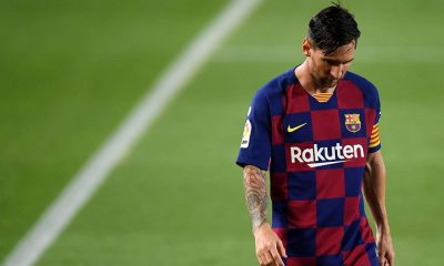 Messi leaving the pitch after losing La Liga title