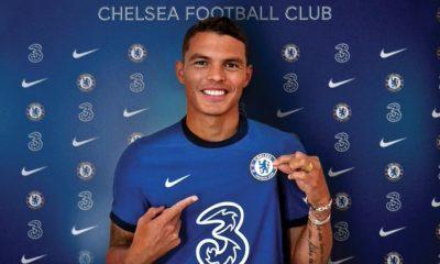 Thiago Silva signs for Chelsea