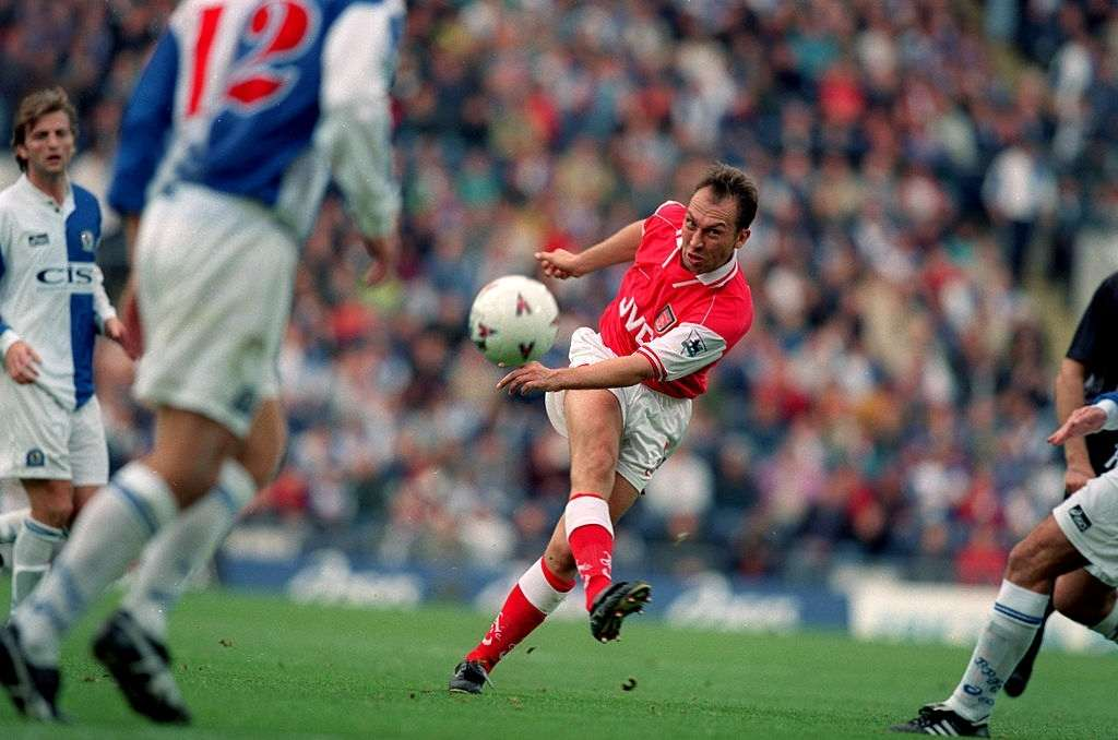 Top 10 unforgettable Arsenal wins: 12 October 1996 - Premiership - Blackburn Rovers v Arsenal - David Platt of Arsenal has a shot at goal. (Photo by Mark Leech/Getty Images)