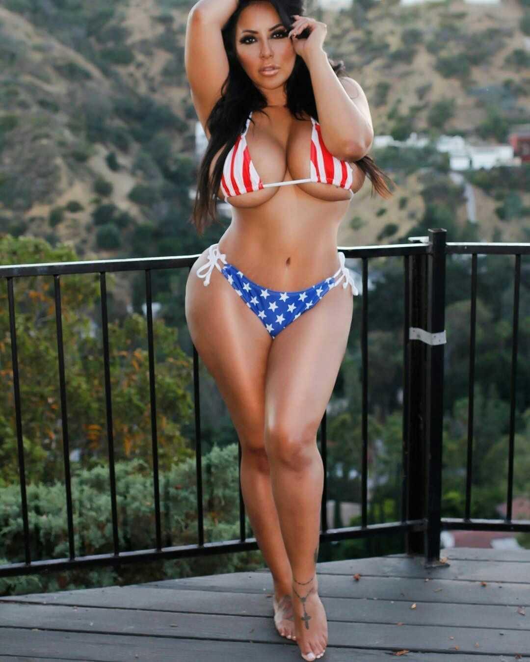 Jimmy Garoppolo girlfriend Kiara Mia in Bikini